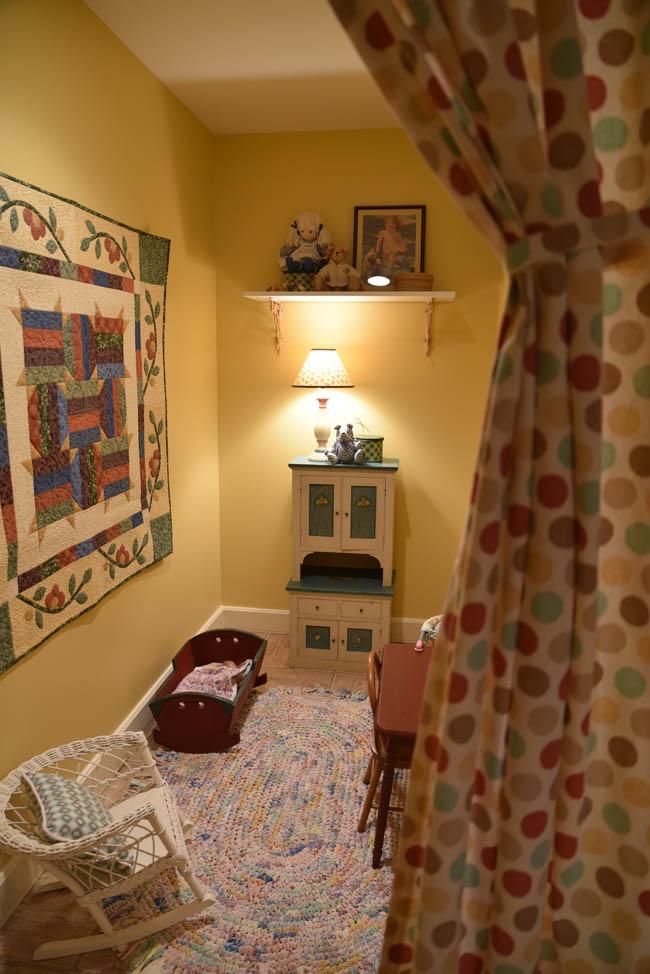 ella's room 4